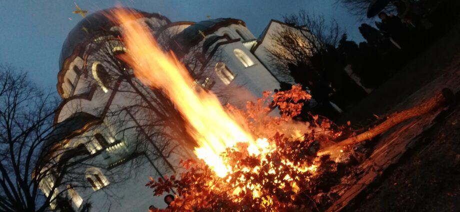 ceskemisie.cz - Sv.Sáva Bělehrad pálení badnjaku, české misie, čeští misionáři, církve, církev, křesťanství, Ježíš Kristus a Bible