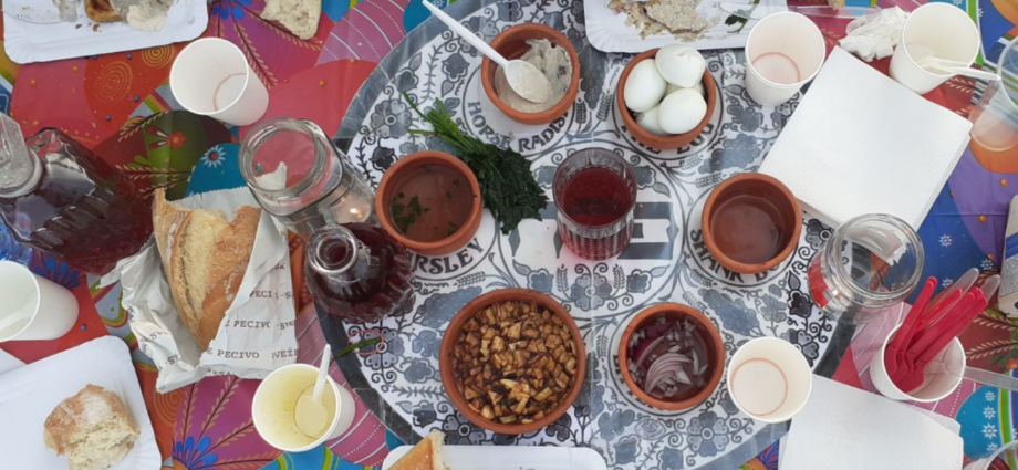Seder, svátemk Minutí, svátek nekvašených chlebů, pascha, passover, velikonoce